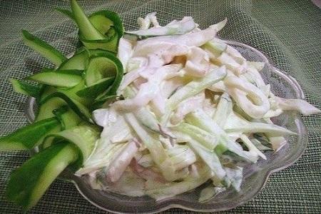 Салат с кальмаром и яйцом диетический