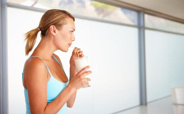 сделать белковый коктейль для похудения