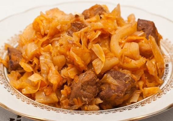 диетическая тушеная капуста c мясом